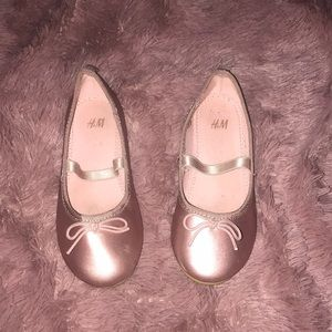 H&M metallic shoes